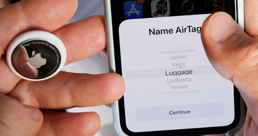 Name AirTag after unboxing in iPhone app for keys headphones